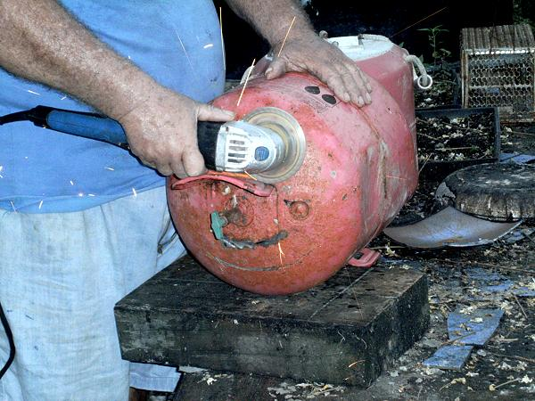 Making Wood Gas Stoves From Decomissioned Gas Bottles