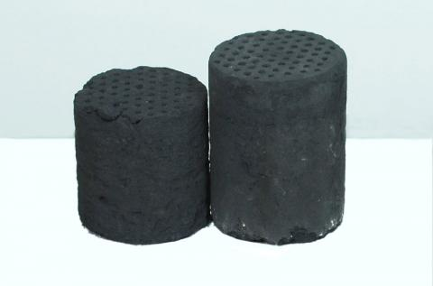 "Shaped ""anthill"" biocarbon Briquette"