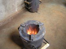 Jiko Bomba Gasifying the Pellets and making char