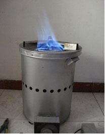 Medium gas cooker burning pellet biocarbon